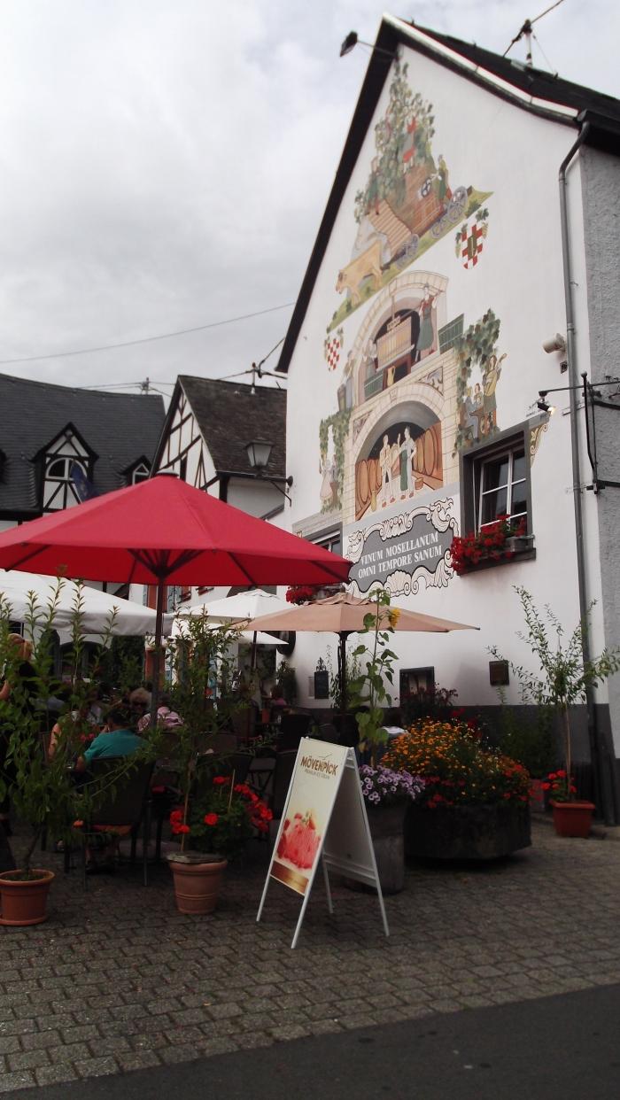ons favoriete terrasje in het dorpje waar we verbleven