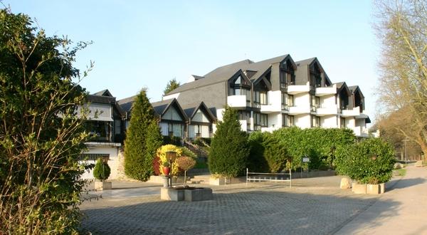 ons hotel, bekeken vanaf de Moezel