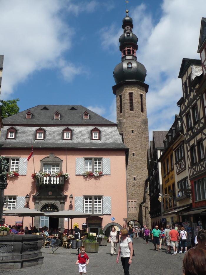 centrum van Cochem, met de Sint-Martinuskerk