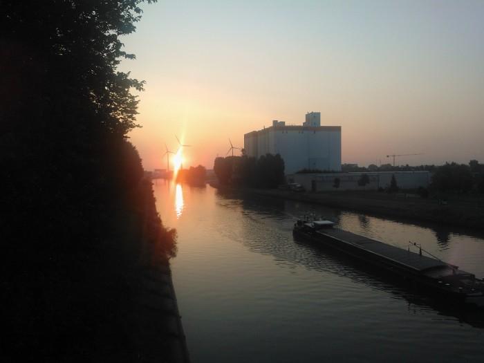 zonsopgang vanaf de Leiebrug in St-Eloois-Vijve