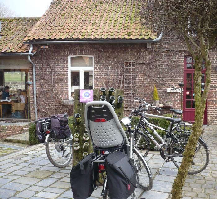 onze fietsen in vol ornaat!